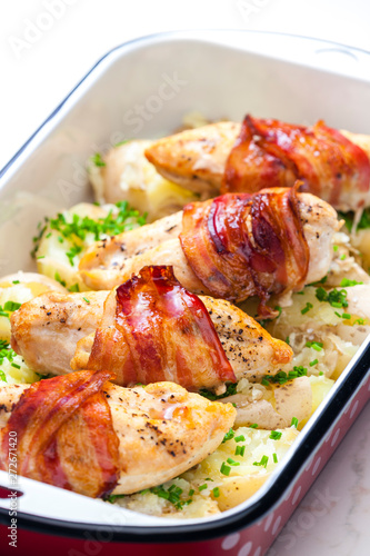 still life of poultry roulade with bacon Fototapet