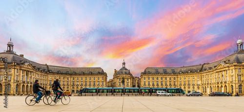 Fényképezés  Place de la bourse à Bordeaux en Nouvelle-Aquitaine, France