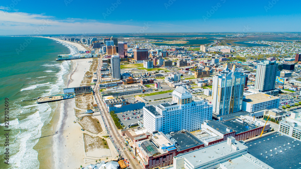 Fototapety, obrazy: AERIAL VIEW OF ATLANTIC CITY BOARDWALK AND STEEL PIER. NEW JERSEY. USA.