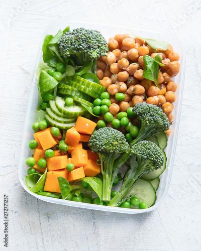 fototapeta na szkło Healthy vegan lunch box