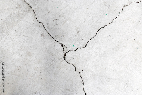 Crack on cement floor - Crepa su pavimento di cemento Fototapet