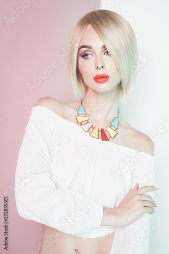 Fotobehang womenART Beautiful sexy blonde with professional classic make-up