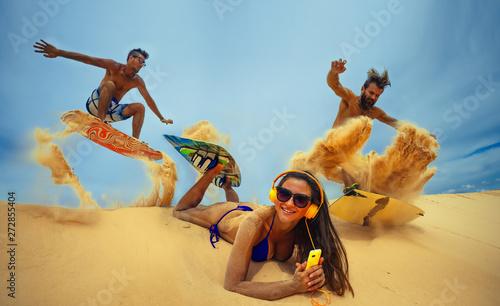 Kitesurfers at dunes - 272855404