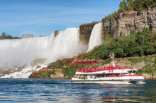 Boat Hornblower With Tourists ...
