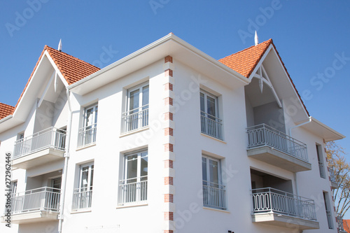 Fotomural  modern building in the style of Arcachon Basin in France