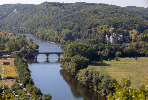 Photo View of the valley of the Dordogne River from Beynac-et-Cazenac Castle, Aquitain