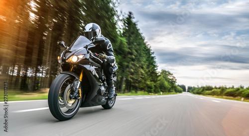 Fotografia motorbike on the road riding