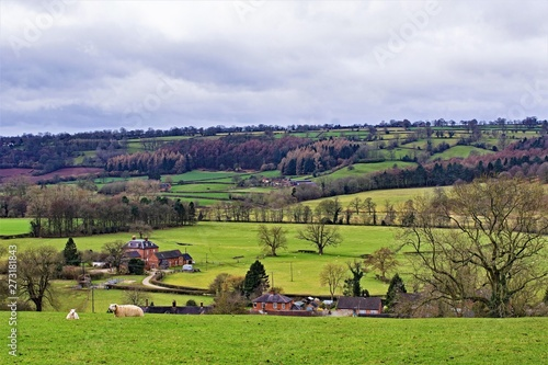 Foto auf Leinwand Landschaft Farmland in February, in Ashbourne, Derbyshire