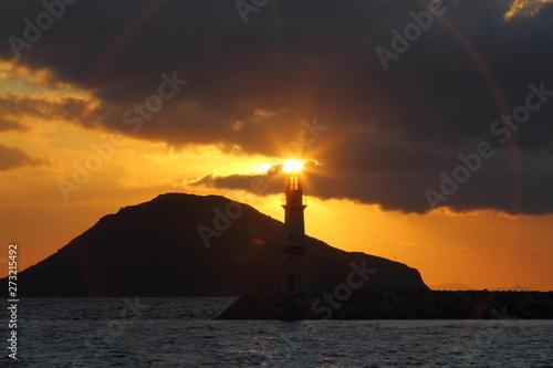 Ingelijste posters Vuurtoren Seaside town of Turgutreis and spectacular sunsets
