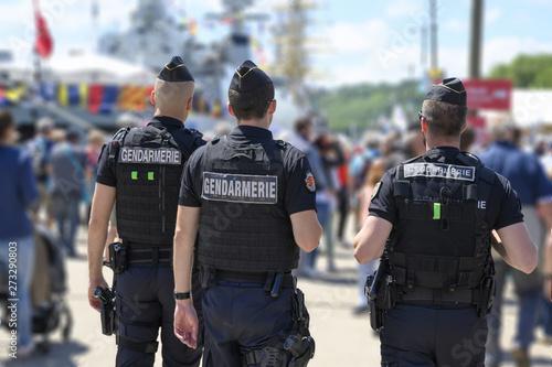 Fotomural  Gendarmes en patrouille