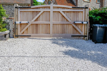 Large Wooden Entry Electric Ga...
