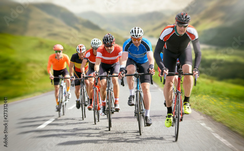Poster Ecole de Danse Cyclists out racing along country lanes in the mountains in the United Kingdom.
