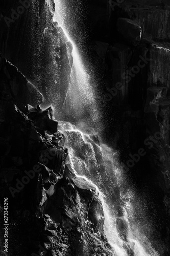 wodospady-wiktorii-lub-mosi-oa-tunya-zambia-i-zimbabwe-afryka