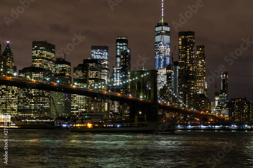 Fototapety, obrazy: Brooklyn Bridge and Manhattan Skyline At Night