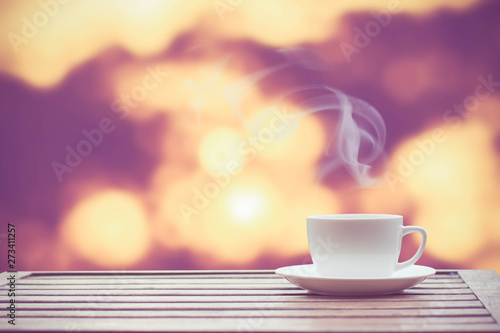 Stickers pour portes The Coffee espresso on wood table nature background in garden,warm tone