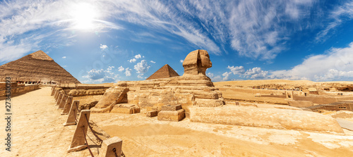 The Sphinx in front of the Pyramids, beautiful panoramic view Tablou Canvas