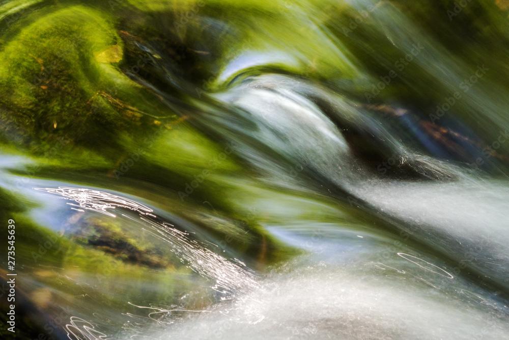Fototapety, obrazy: Fliessendes Wasser Langzeitaufnahme