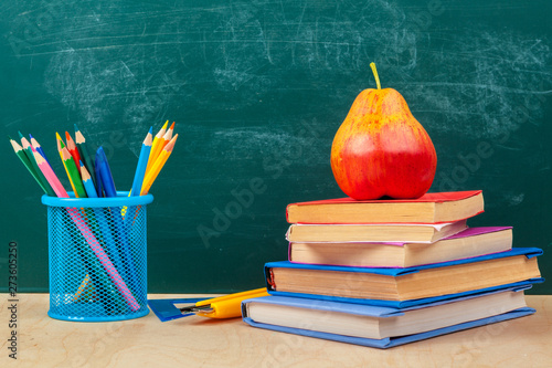 Fototapety, obrazy: back to school template design, with school supplies and space for text