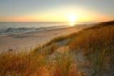Piaszczyste wydmy na wybrzeżu Morza Bałtyckiego, Dźwirzyno ,Polska.