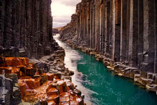 Photo sur Toile Marron chocolat Studlagil basalt canyon, Iceland