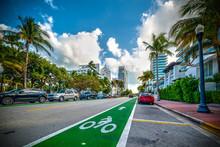 Green Bike Lane In World Famous Miami Beach