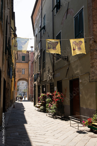 Photo The slingshot district in Albenga, Italy