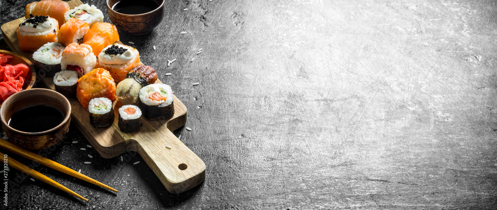 Fototapety, obrazy: Japanese seafood sushi on cutting Board.
