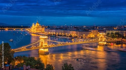 Foto auf AluDibond Budapest Panorama of Budapest at night. Hungarian landmarks.