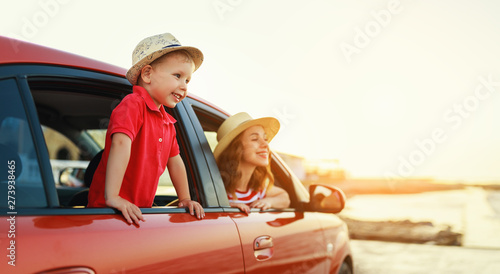 happy family mother and child boy goes to summer travel trip in car Tapéta, Fotótapéta