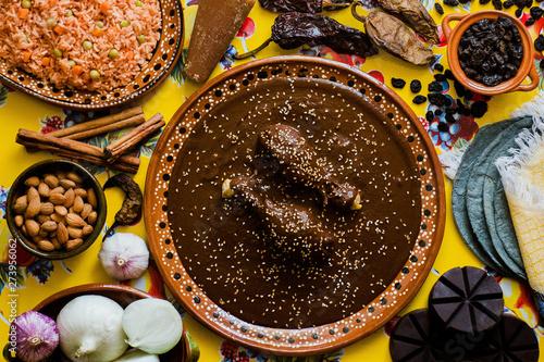 Papel de parede Mole Mexicano, Poblano mole ingredients, mexican spicy food traditional in Mexic