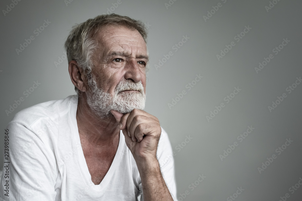 Fototapety, obrazy: senior man thinking or try to remember alone closeup