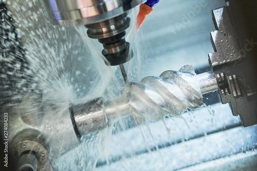 Fotografía  CNC milling machine work