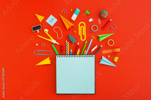 Obraz na plátně  Back to school concept. Creative flat lay. View from above.