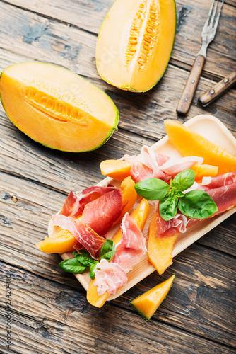 Poster Fleur Italian antipasto with melon and ham