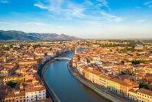 Città Di Pisa, Lungarno E Ponte Di Mezzo Vista Aerea Con Drone.
