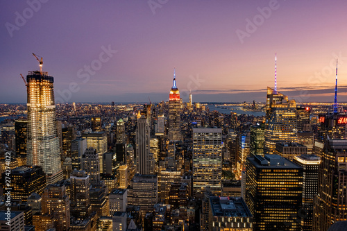 Cadres-photo bureau New York Cityscape of midtown skyscrapers and buildingds at sunset view from rooftop Rockefeller Center