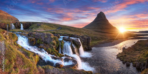 Tuinposter Watervallen Kirkjufell mountain with waterfalls, Iceland