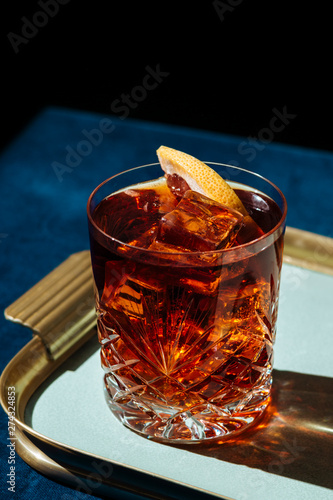 Fotografering Negroni, an italian cocktail, an apéritif, first mixed in Florence, Italy, in 1919