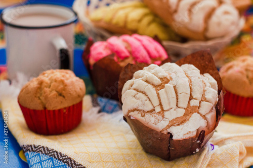 Tableau sur Toile Manteconchas, sweet mexican bread, traditional bakery in Mexico, Mexican pastrie