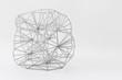 3D-gedrucke graue Netzstruktur Würfel auf weißem Hintergrund. 3D print gray net structure cube on white Background.