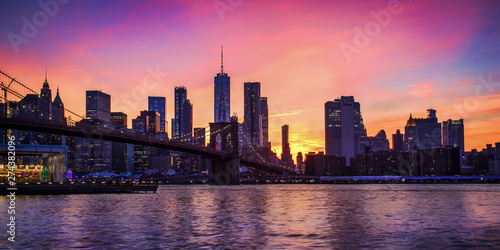 Fototapeta Brooklyn bridge and Manhattan after sunset, New York City obraz na płótnie