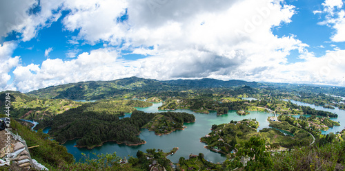 In de dag Zuid-Amerika land Peñol de Guatapé Antioquia Colombia