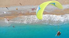 Paragliding. Paragliders Prepa...