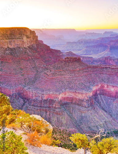 Carta da parati The beautiful view of Grand Canyon from the south rim of Grand Canyon National Park at dusk
