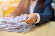 Employees Are Managing Documen...