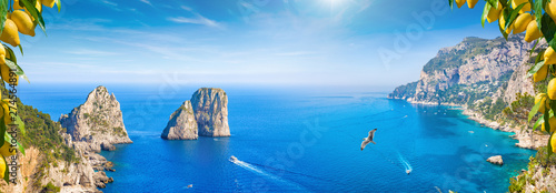 Montage in der Fensternische Blau Panoramic collage with attractions of Capri Island, Italy