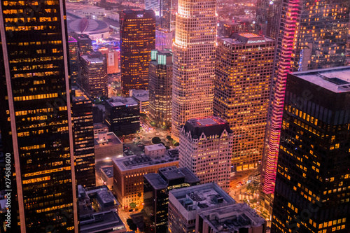 Photo  Nightscape at the highest point in downtown Los Angeles