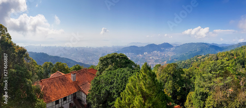 Fotomural  Panoramic view over Penang from Penang Hill, Malaysia with Geroge Town in the background and the Malacca Strait
