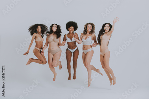 Vászonkép Group of women with different body and ethnicity posing together to show the woman power and strength