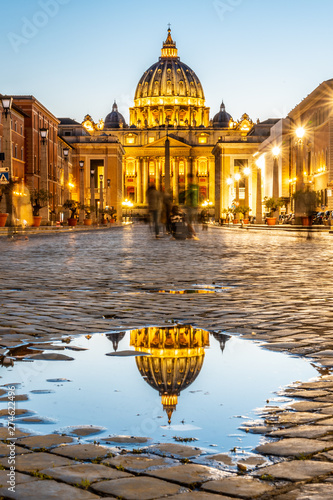 Vatican City by night Fototapeta